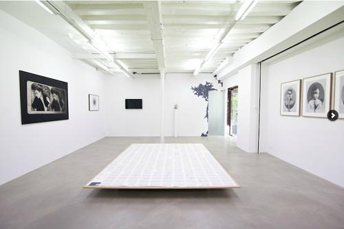 """""""blanche ou l'oubli """" sculpture centrale de  Marco Godinho"""